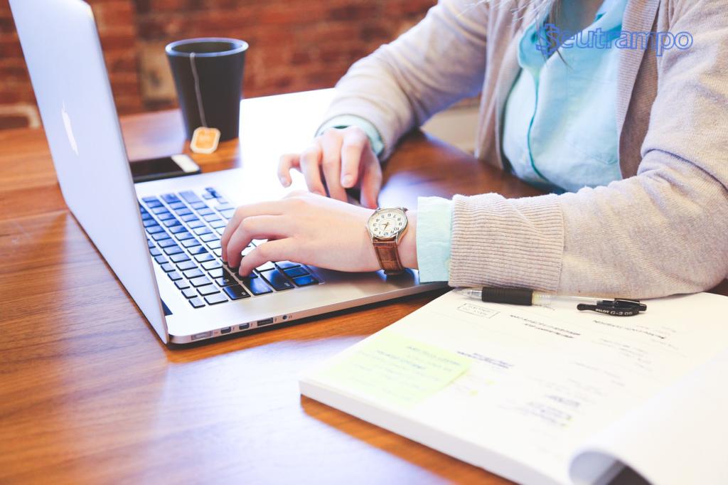 Vagas de Emprego Grátis Monitoramento 1024x682 - Vagas de emprego grátis: Como encontrar a sua?